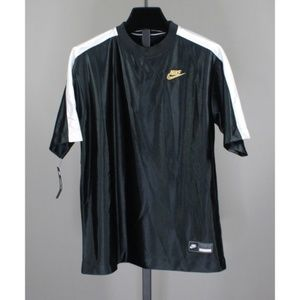 NEW! NIKE ATHLETIC TOP!